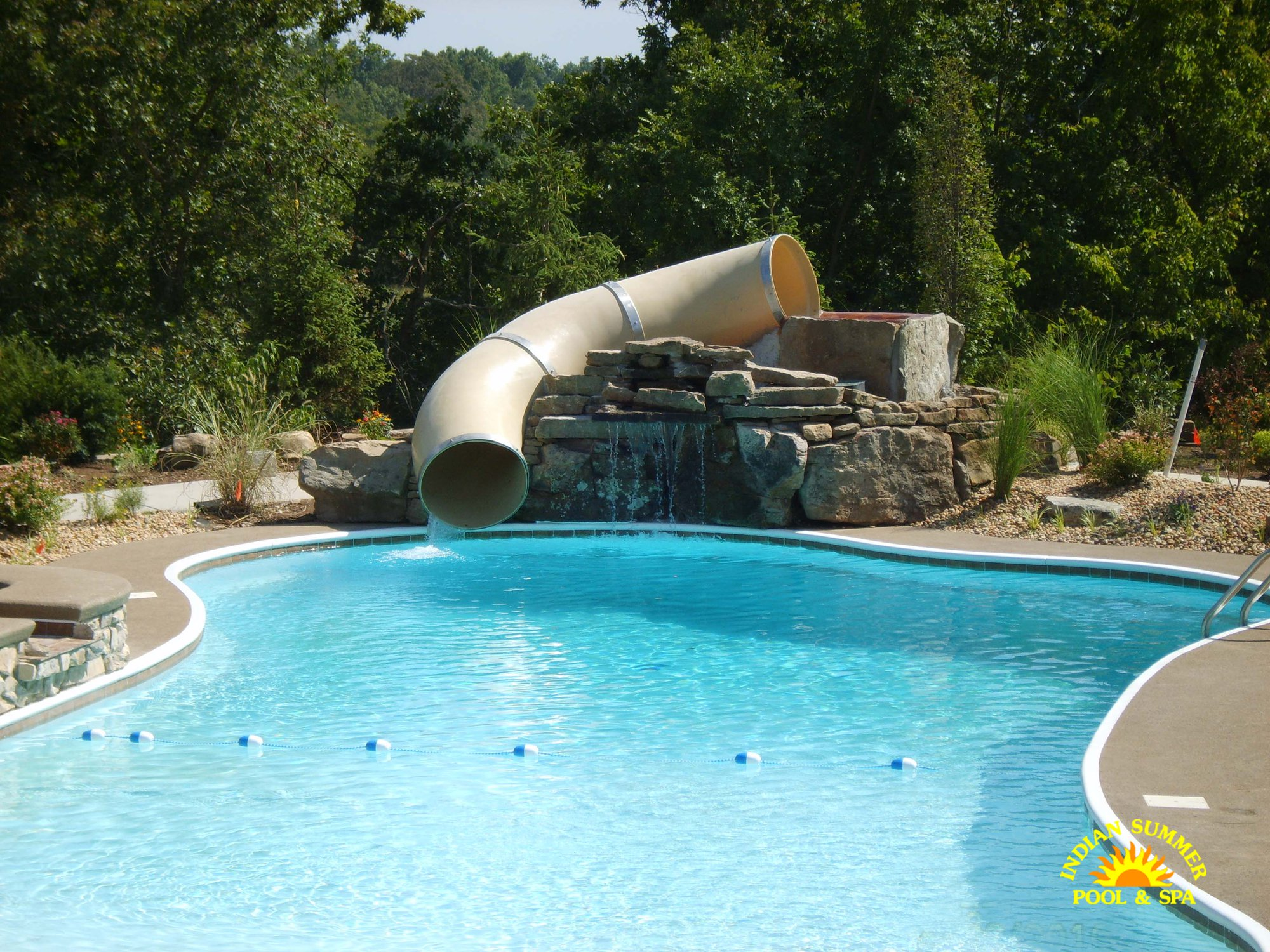 Hybrid pools springfield mo indian summer pool and spa for Spa and pool